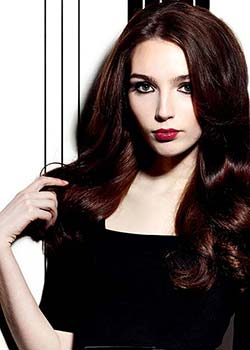 © ANGELA LOWERY - Y SALON HAIR COLLECTION