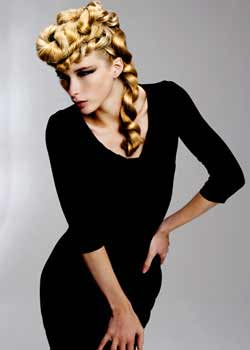 © KAY MC INTYRE HAIR COLLECTION